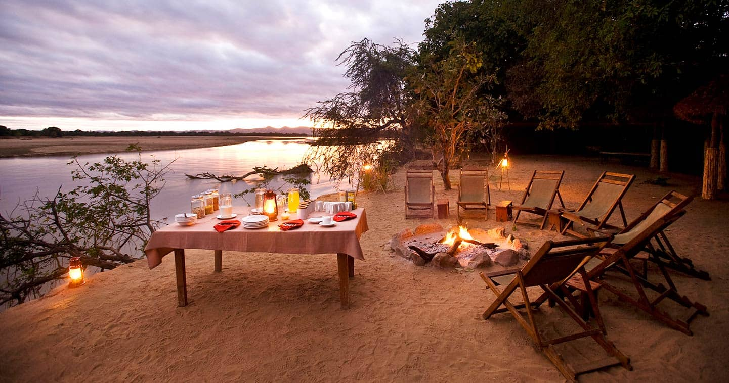 Enjoy Breakfast at the Boma in Island Bush Camp