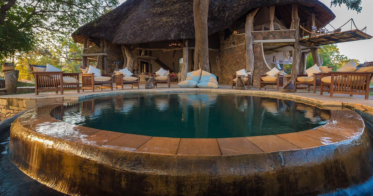 Luxury safari lodge South Luangwa Safari House